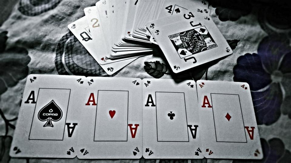"Покер тактики: оксиморон ли е изразът ""Пасивна агресия"" - видео"