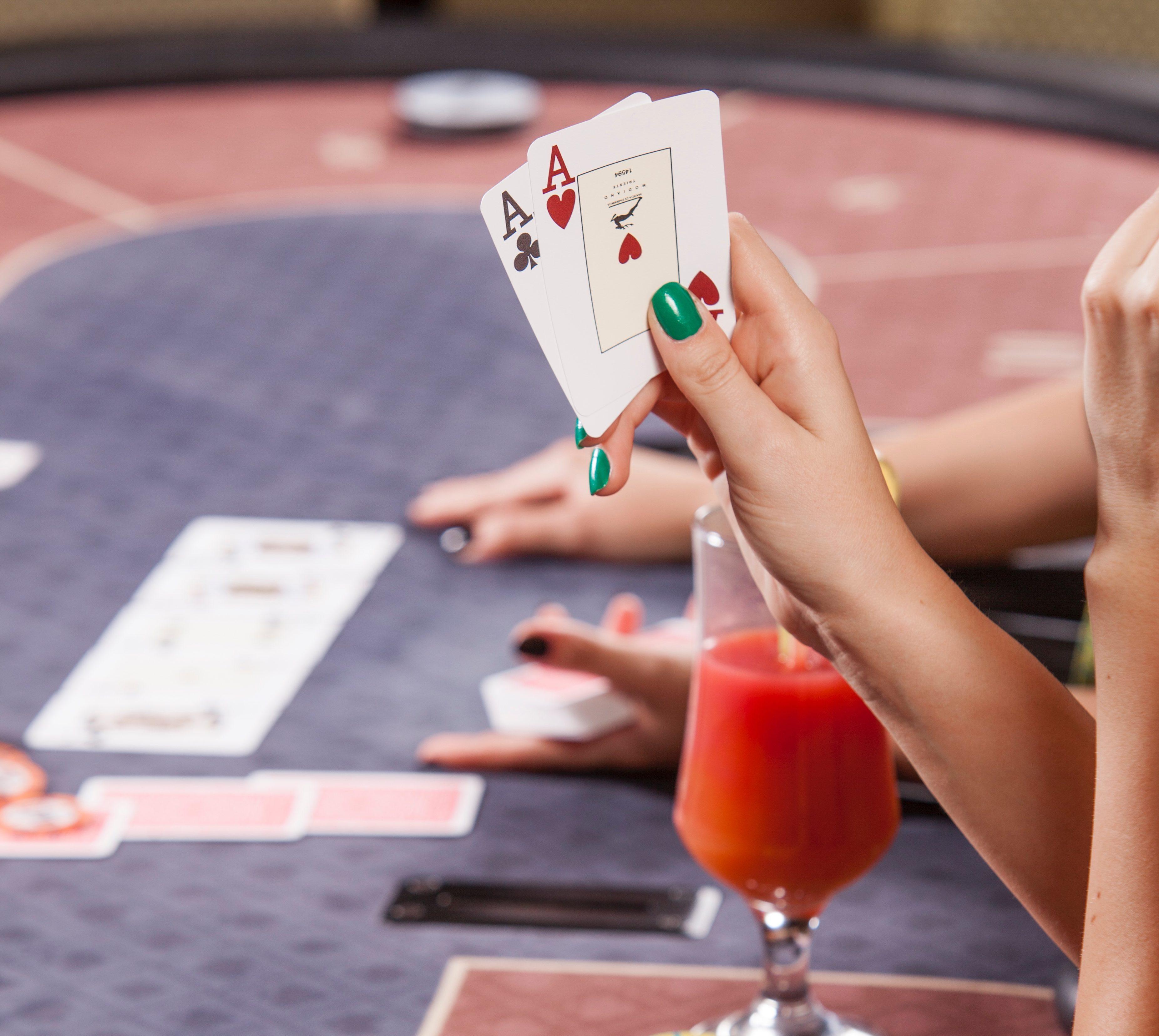 Покер тактики: Straight-Flush - видео